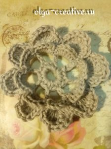 вязаный-объемный-цветок